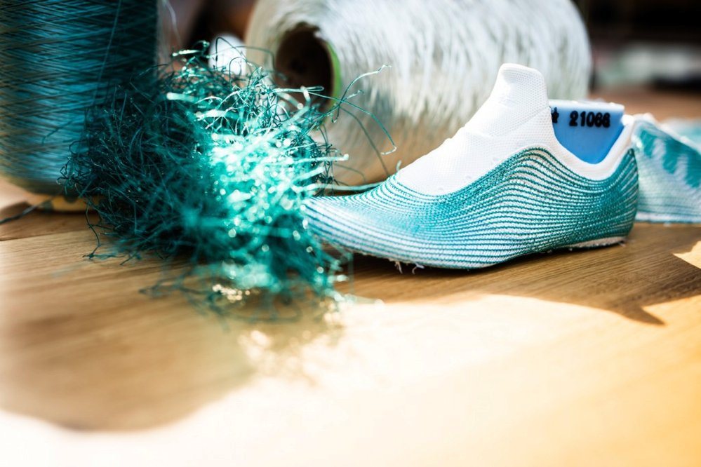 Nový model běžeckých bor je z 95 procent vyroben z plastového odpadu, který byl vyloven z oceánu