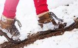 Dostaňte otravnou sůl z bot. Pomůžou věci, které máte doma ve spíži