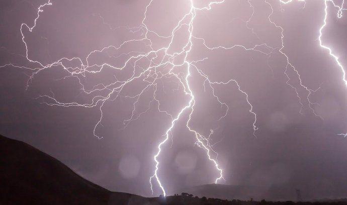 Bouře, ilustrační foto