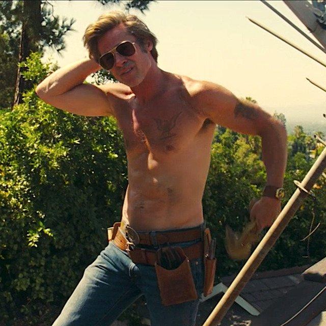 Vysekaný Brad Pitt v komedii Tenkrát v Hollywoodu
