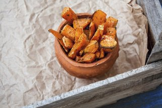 Pečené brambory z trouby: Samostatný chod i křupavá příloha k masu. Jak na ně?