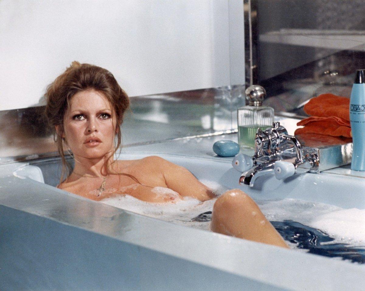 Pravou královnou vany plné bublinek je Brigitte Bardot, v koupelně se objevila hned v několika filmech
