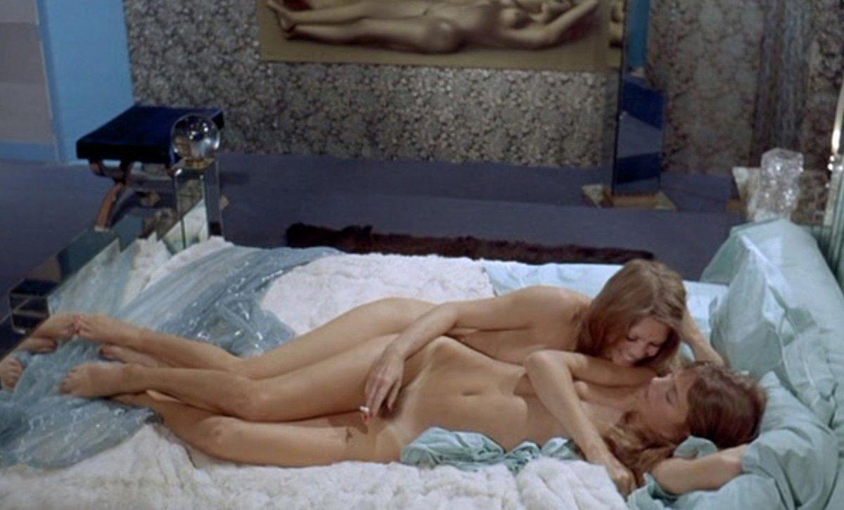 Bridgitte se nevyhýbala sexuálním vztahům se ženami.