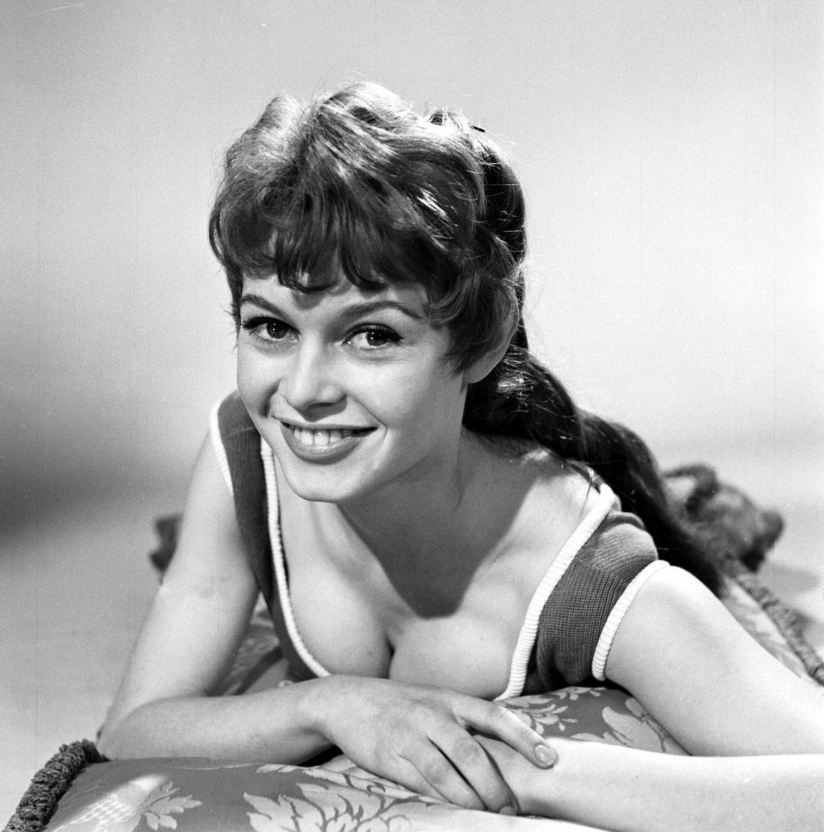 Brigitte měla zamlada tmavé vlasy.