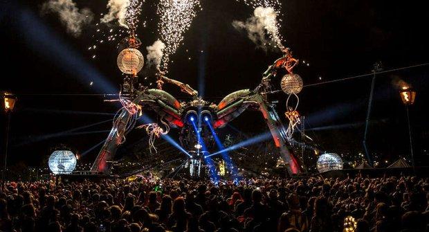 Arcadia 2015: Pavouk řádí v Bristolu