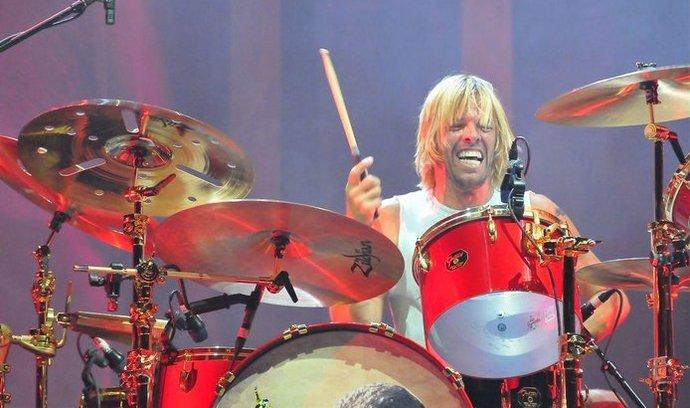 Bubeník Foo Fighters Taylor Hawkins