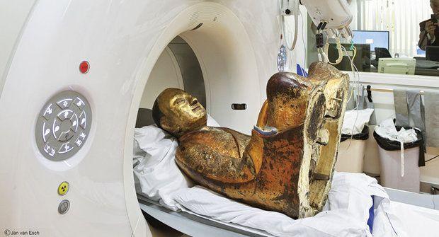 Čínská mumie: Příběh mnicha zamčeného ve zlatě