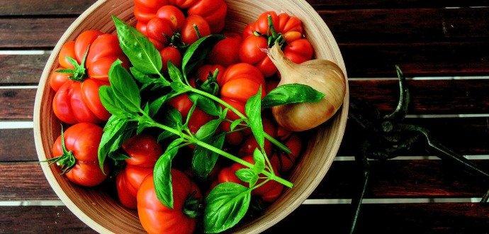 Vyzkoušejte vychytávky, kterými prodloužíte život bylinkám i zelenině