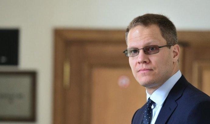 Bývalý poradce někdejšího hejtmana Středočeského kraje Davida Ratha Filip Bušina (na snímku) čeká 12. listopadu na začátek jednání Krajského soudu v Praze. Bušina je obžalovaný s dalšími 13 lidmi ze stamilionových daňových úniků.