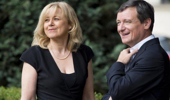 Bývalý poslanec ČSSD a exhejtman David Rath. Vedle něj je jeho advokátka Marcela Ondřejová.