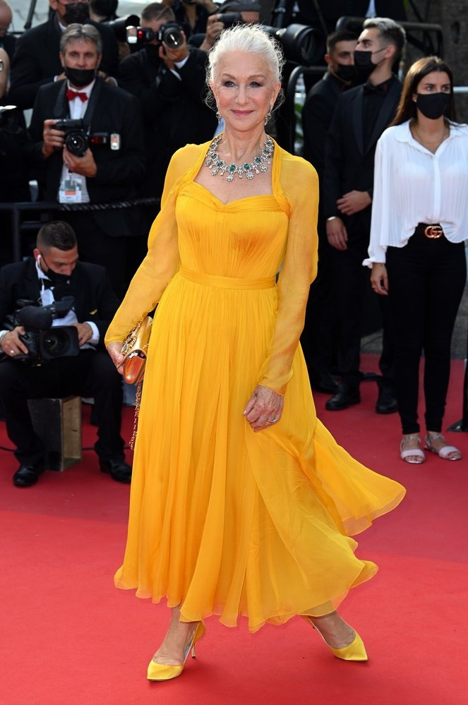 Helen Mirren v šatech Dolce & Gabbana