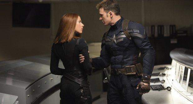 Captain America změří síly s Batmanem a Supermanem