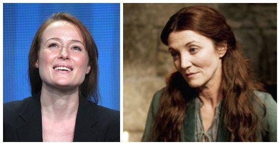 Catelyn Stark. Také manželku Neda Starka hrála v pilotu jiná herečka, a to Jennifer Ehle (vlevo). V seriálu samotném pak charismatická Michelle Fairley