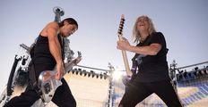 Cave, Beck, Metallica, Green Day. Hudební festivaly sčítají ztráty azbrojí nařádnou sezonu