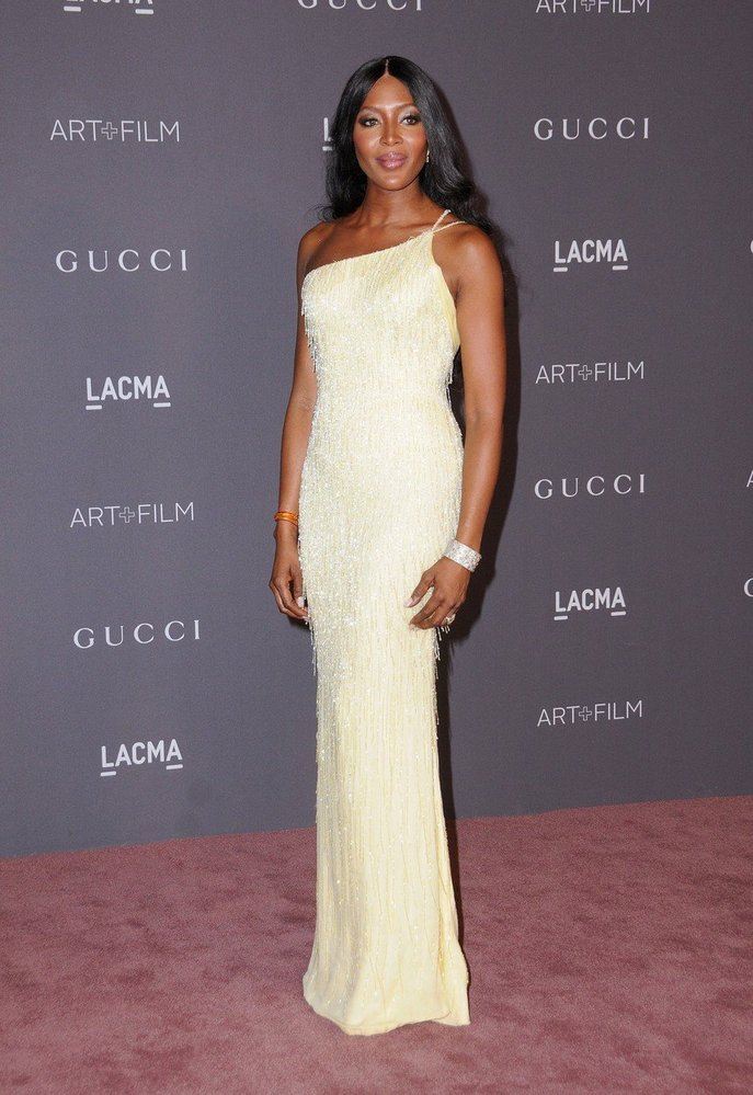 Naomi Campbell v šatech Atelier Versace