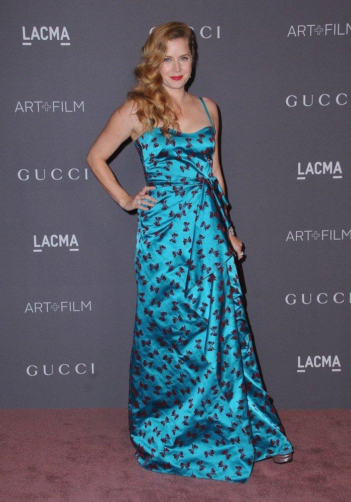 Amy Adams v šatech Gucci