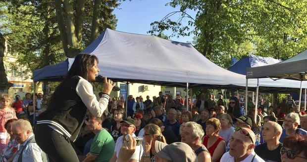 Heidi Janků na koncertě v Žihli