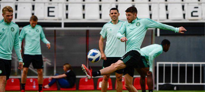 Hráči Celticu Glasgow na předzápasovém tréninku