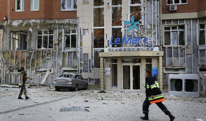 Centrum východoukrajinského Doněcka, důsledky dělostřelecké palby
