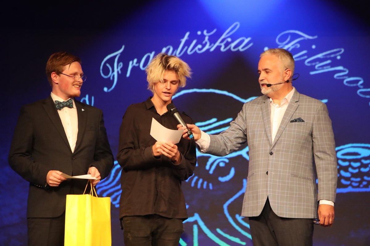 Ceny Františka Filipovského 2021: Vnuci Jorgy Kotrbové Matěj  (vlevo) a Filip Komínkovi.