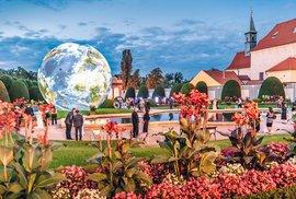 Zahrady Černínského paláce se otevřou veřejnosti. Lákají na autorské čtení a hry pro…