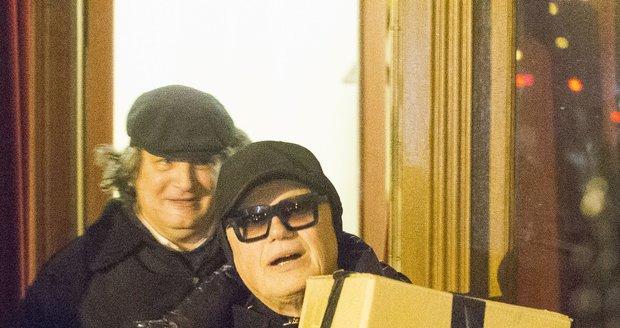 Jiří Korn táhl cenu Thálii v krabici