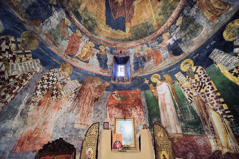 Už na počátku 14. století vymohla královna Helena pro svou zemi značnou autonomii a založila padesát nových klášterů.