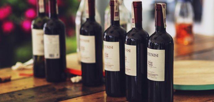 Červené víno jako lék: 10 důvodů, proč si dát skleničku
