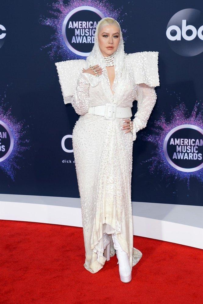 Zpěvačka Christina Aguilera v šatech Jean Paul Gaultier