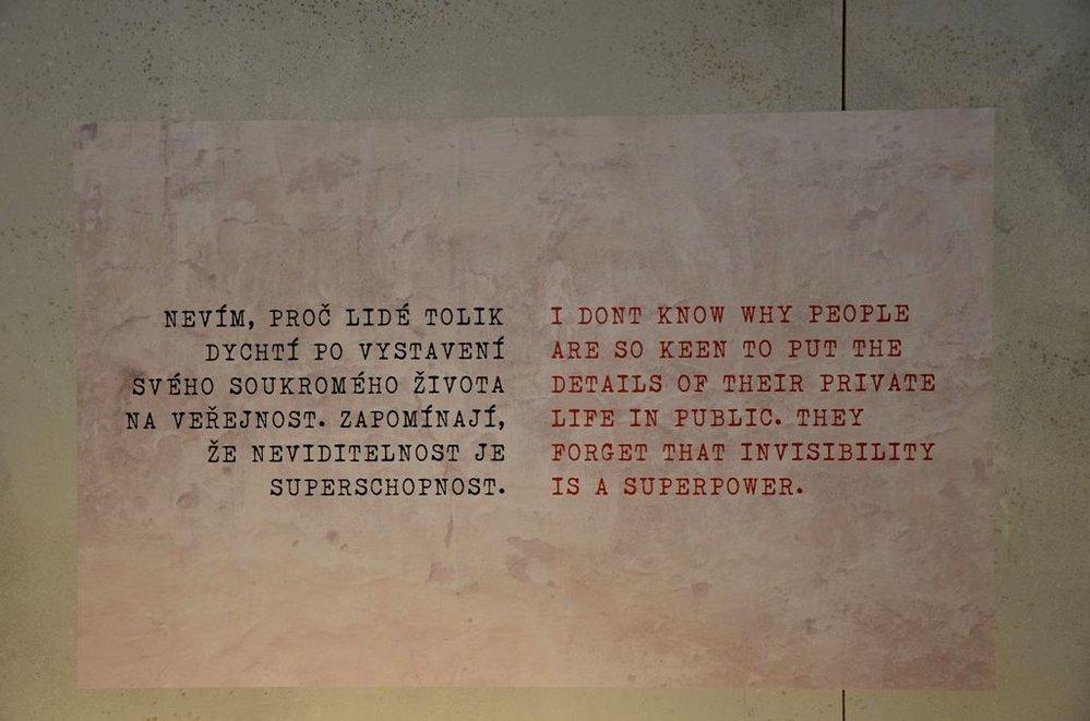 Neautorizovaná výstava kopií a reprodukcí The World of Banksy ve výstavní síni Mánes