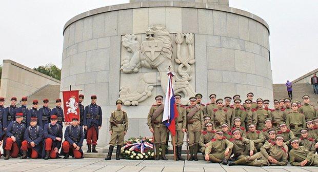 Stovka legií: Národní hrdinové oslavují
