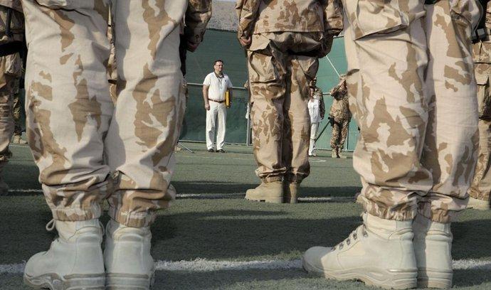 Český premiér Petr Nečas  navštívil 1. a 2. září české vojáky v misi ISAF v Afghánistánu.
