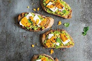 Co na chleba? 16 receptů jako odpověď a inspirace na rychlé jídlo!