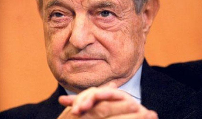 """Chmurný vizionář. Evropu čeká příští rok podle známého amerického finančníka George Sorose """"téměř neodvratně"""" nová recese a poté roky stagnace. Příčinou dalšího ekonomického propadu bude nynější neadekvátní reakce evropských vlád na dluhovou krizi v eurozóně a vrozené vady eura, řekl Soros na semináři v Londýně."""