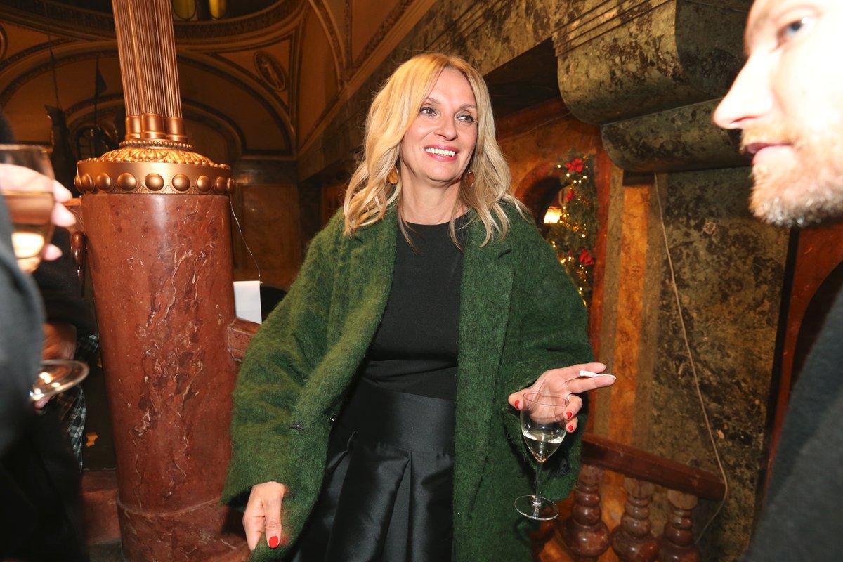 Ivana Chýlková si premiéru filmu, kde má hlavní roli, užívala na baru