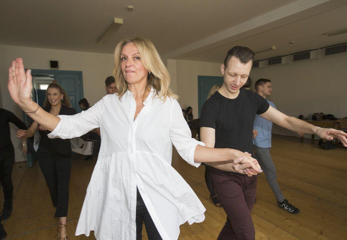 Ivana Chýlková trénuje na taneční soutěž