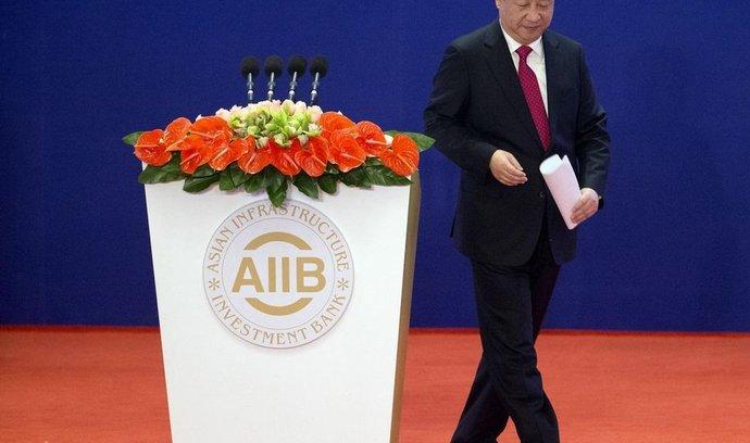 čínský prezident Si Ťin-pching při slavnostním otevření banky AIIB