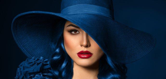 Farba roka 2020: preneste klasickú modrú do bytu aj šatníka