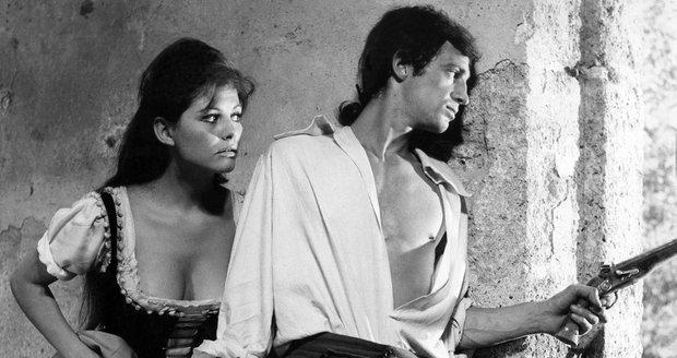 Claudia Cardinale a Jean-Paul Belmondo ve filmu Cartouche