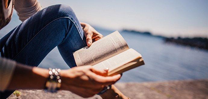 TOP tipy na letní čtení