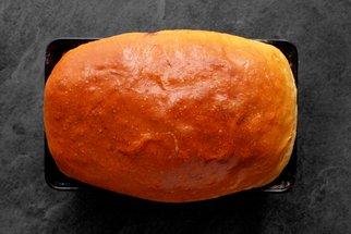 Toastový chléb, který budete péct znovu a znovu: Voní máslem a zvládne ho i začátečník