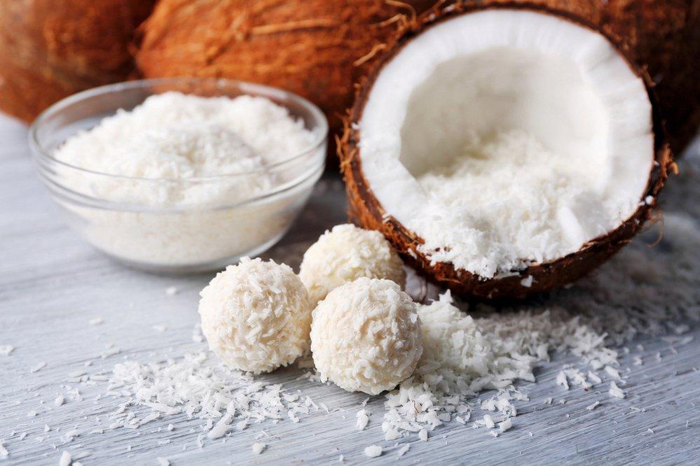 Medové kuličky s kokosem