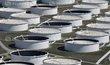 """Ropná úložiště v městě Cushing, které je považováno za americkou """"křižovatku ropovodů"""""""