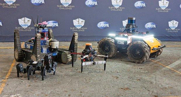 Návštěva u robotů z ČVUT: Pomáhají při zemětřeseních i jeskynním výzkumu