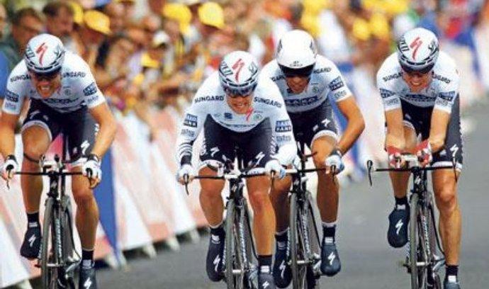 Cyklistická stáj Saxo Bank, za niž jezdí i Alberto Contador