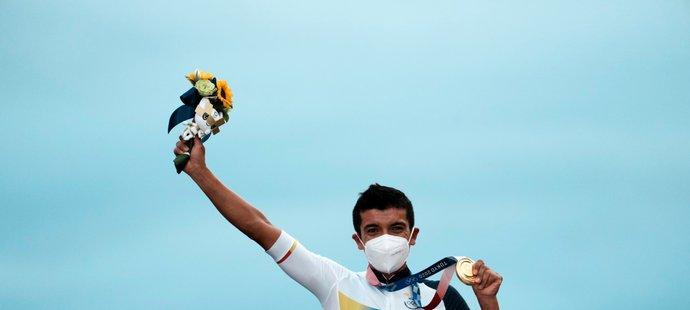 Ekvádorský hrdina Richard Carapaz se zlatou medailí
