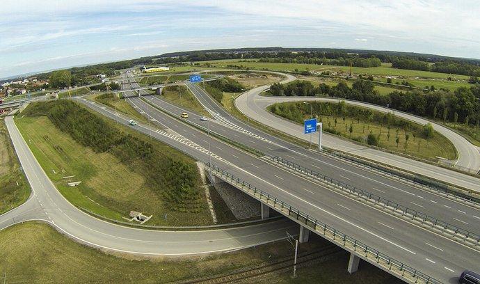Rozestavěná dálnice D35. Opatovická křižovatka