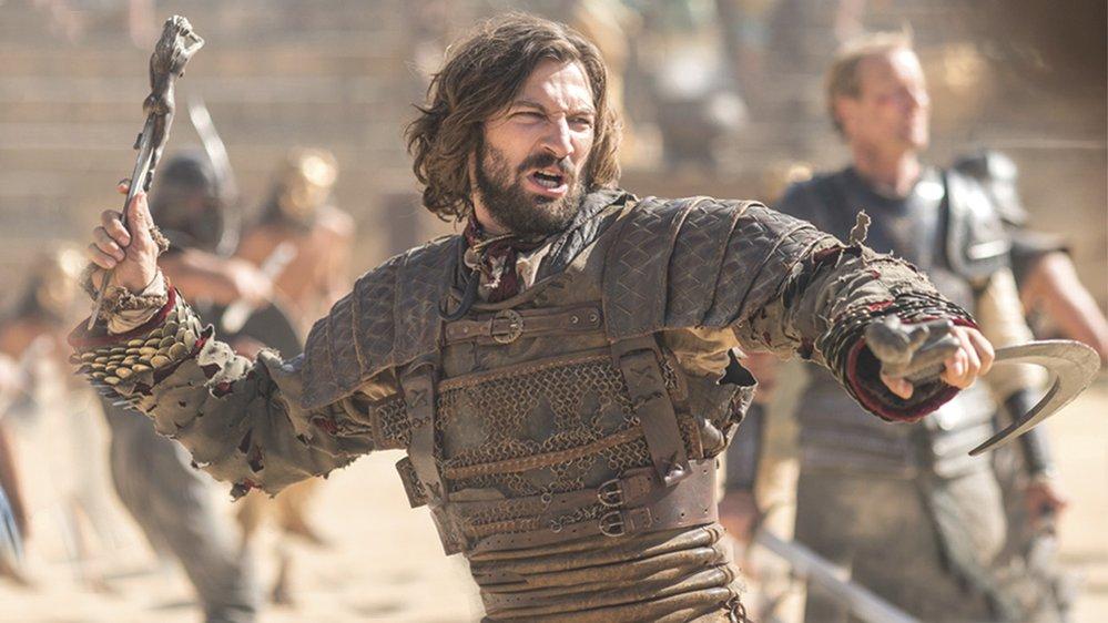 Michiel Huisman si naopak zahrál hned v 18 epizodách, včetně intimních scén s Daenerys Targaryen. Jenže ta ho nakonec do Zápodozemí nevzala