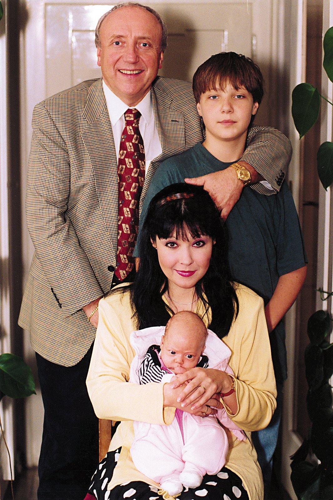 Dáda Patrasová s rodinou - manželem Felixem Slováčkem a dětmi Felixem a Aničkou