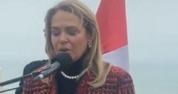 Bývalá první dáma Dagmar Havlová v Limě odhalila lavičku Václava Havla